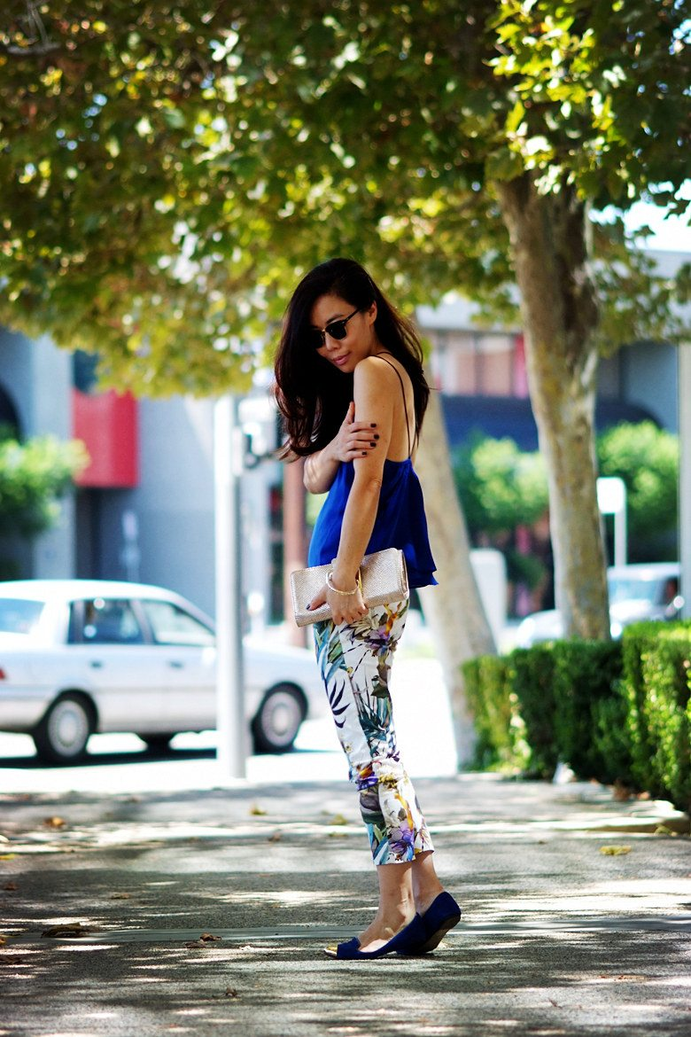 HallieDaily Blue Cami and Floral Pants_0