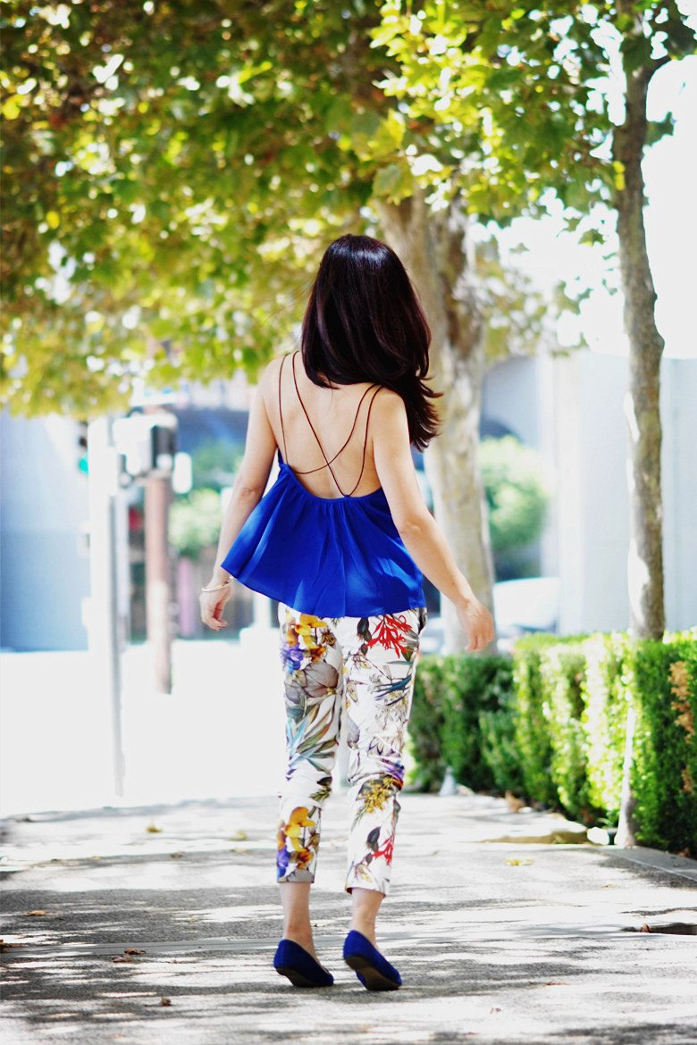 HallieDaily Blue Cami and Floral Pants_3