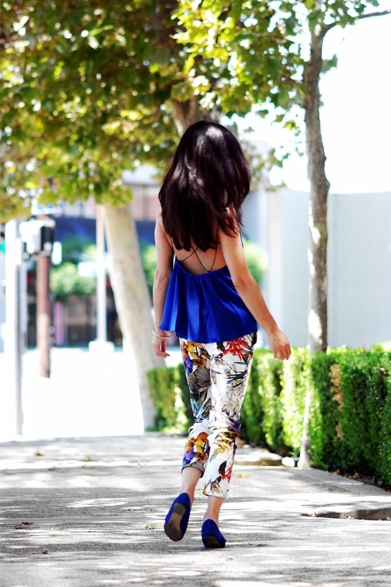 HallieDaily Blue Cami and Floral Pants_4
