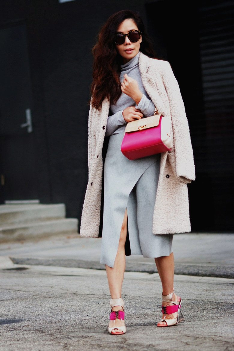 Hallie Swanson Ferragamo Bag and Shoes, HM Coat, Zara Skirt, Gap Top_9
