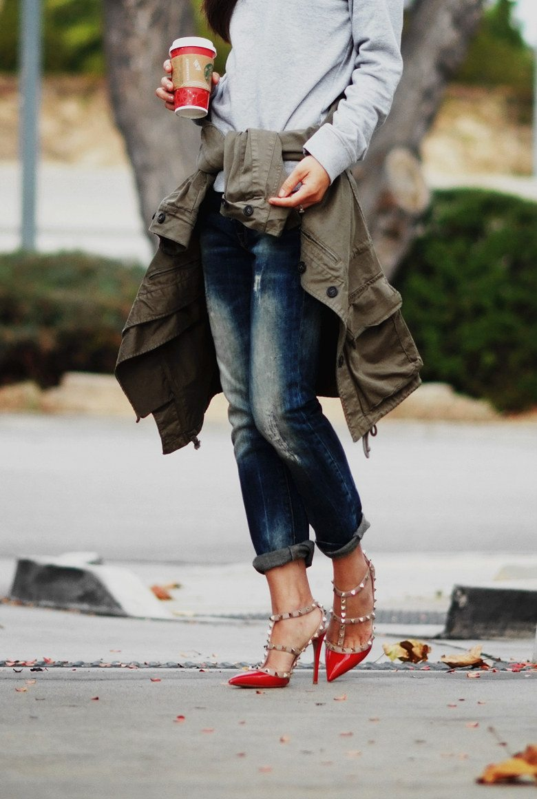 HallieDaily Casual Weekend Wear in Valentino Shoes_8