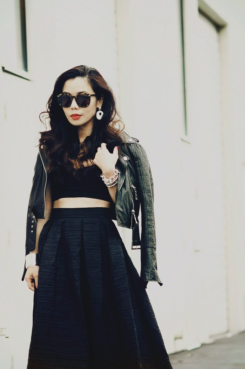 Black maxi skirt with crop top – Modern skirts blog for you