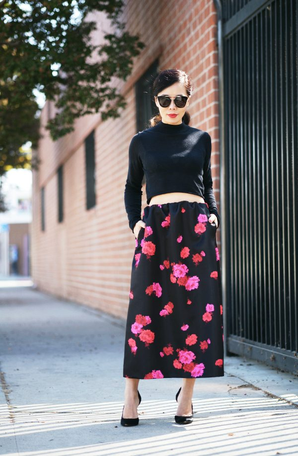 HallieDaily: Cropped-Top-No21-Maxi-Skirt-Gucci-Shoes 1