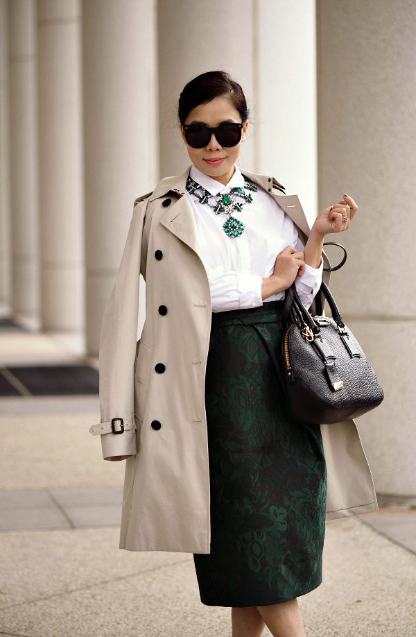 Classic Holiday Wear Burberry Trench And Green Pencil