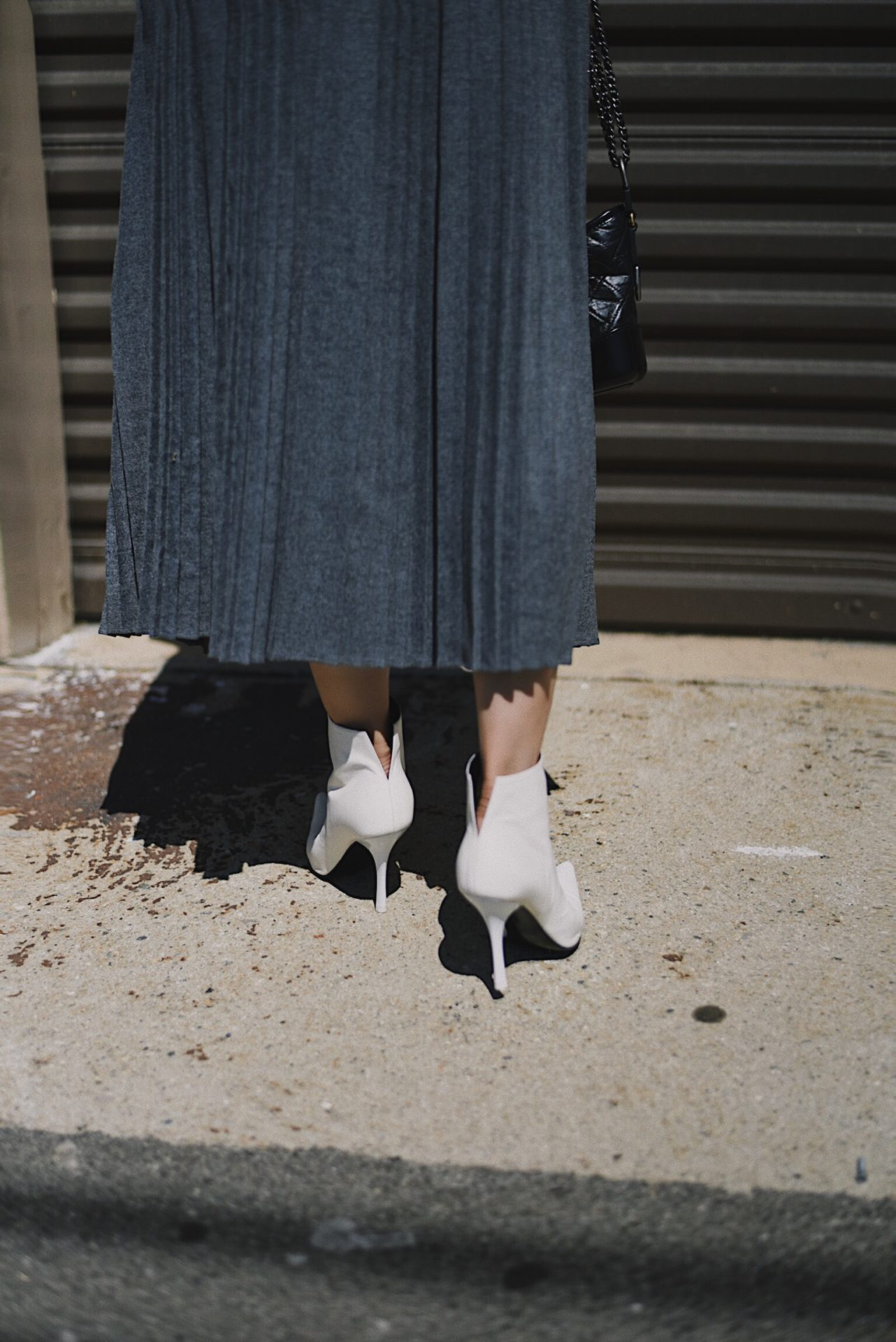 How to Wear Pleated Skirt This Season – Hallie Daily