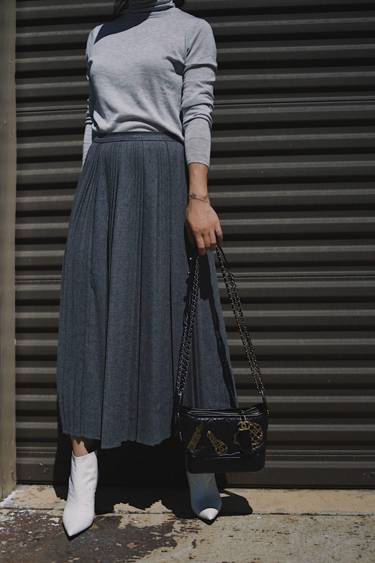 How to Wear Pleated Skirt This Season